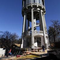 Jól haladnak a nagyerdei víztorony felújításával