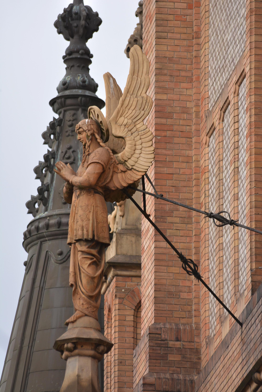 az angyalokat a francia gótika ihlette