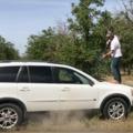 Két barom sz*rrá lőtt egy Volvo XC90 V8-at, hogy megmutassák, mennyire biztonságos