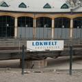 Lokwelt, Freilassing