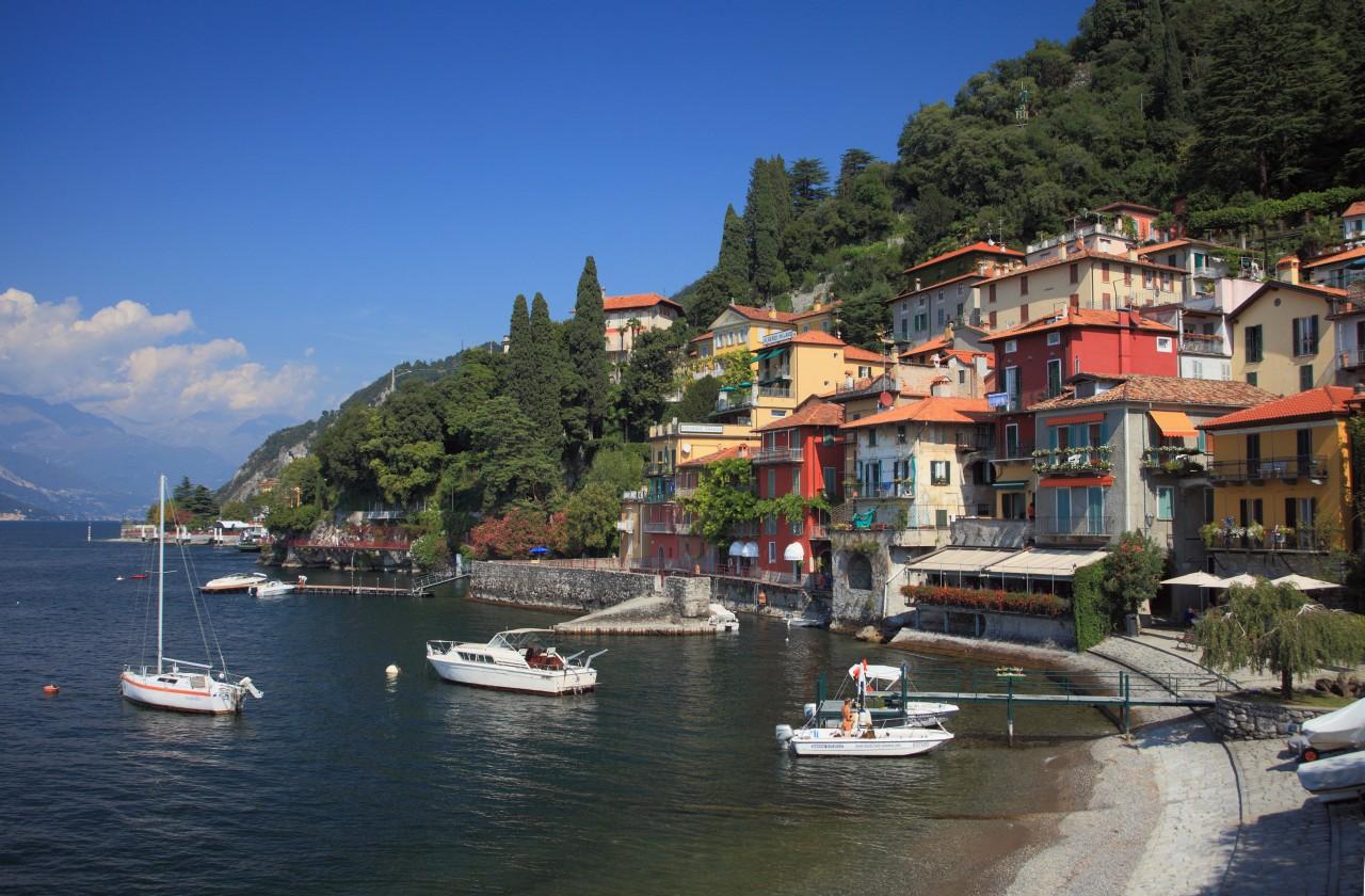 varenna olaszország lombardia Valtellina