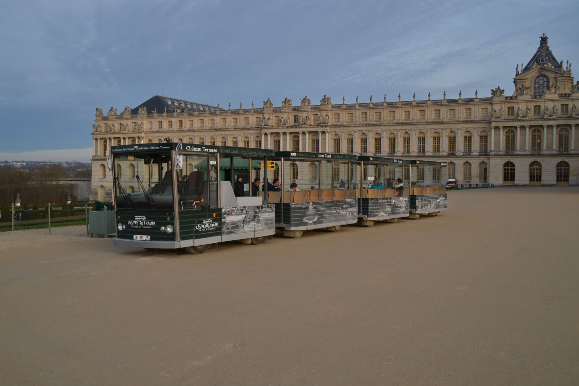 Versailles-i kastély, közúti vonat
