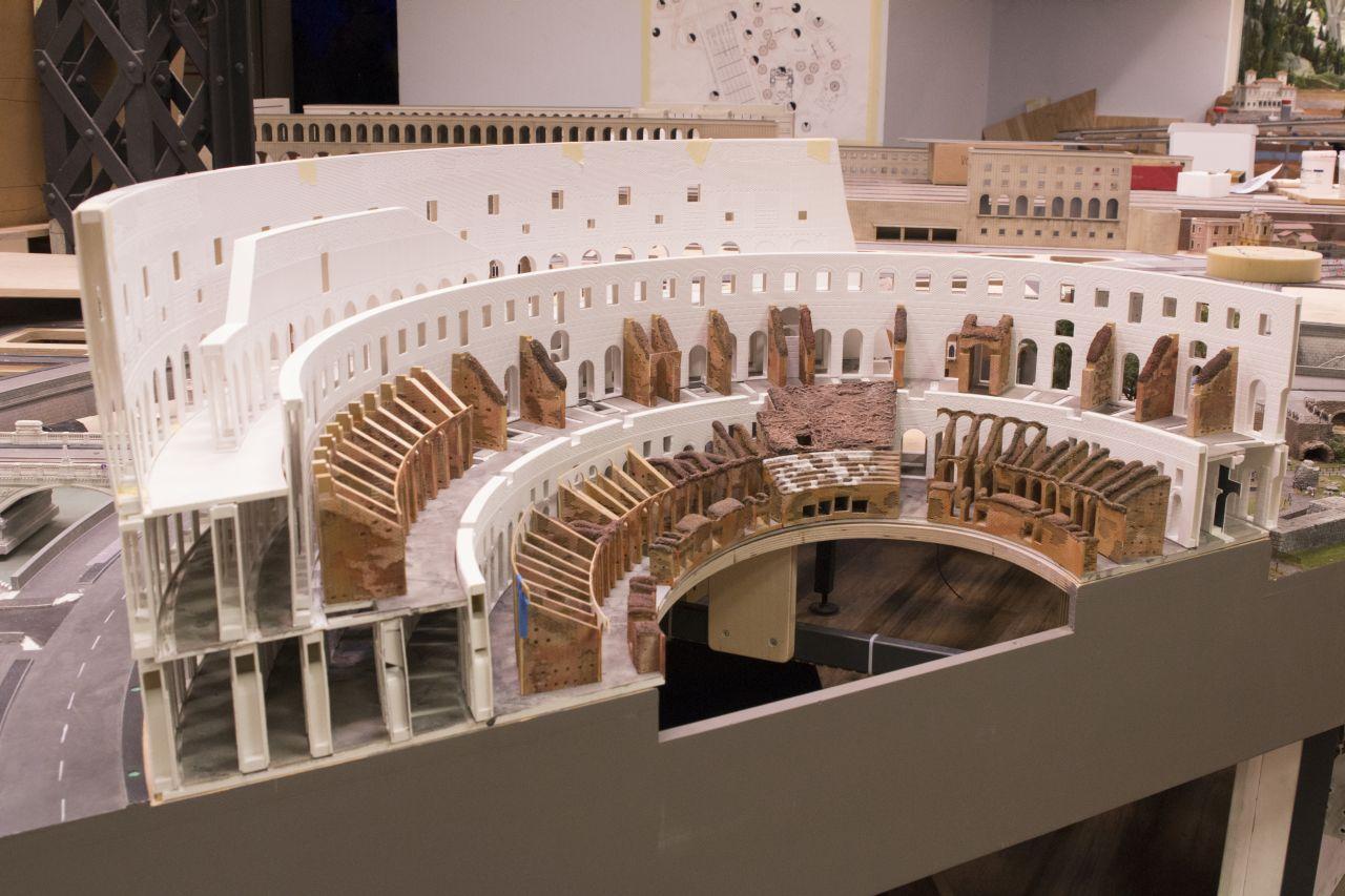 miniatur wunderland hamburg, olaszország, róma colosseum, kolosszeum