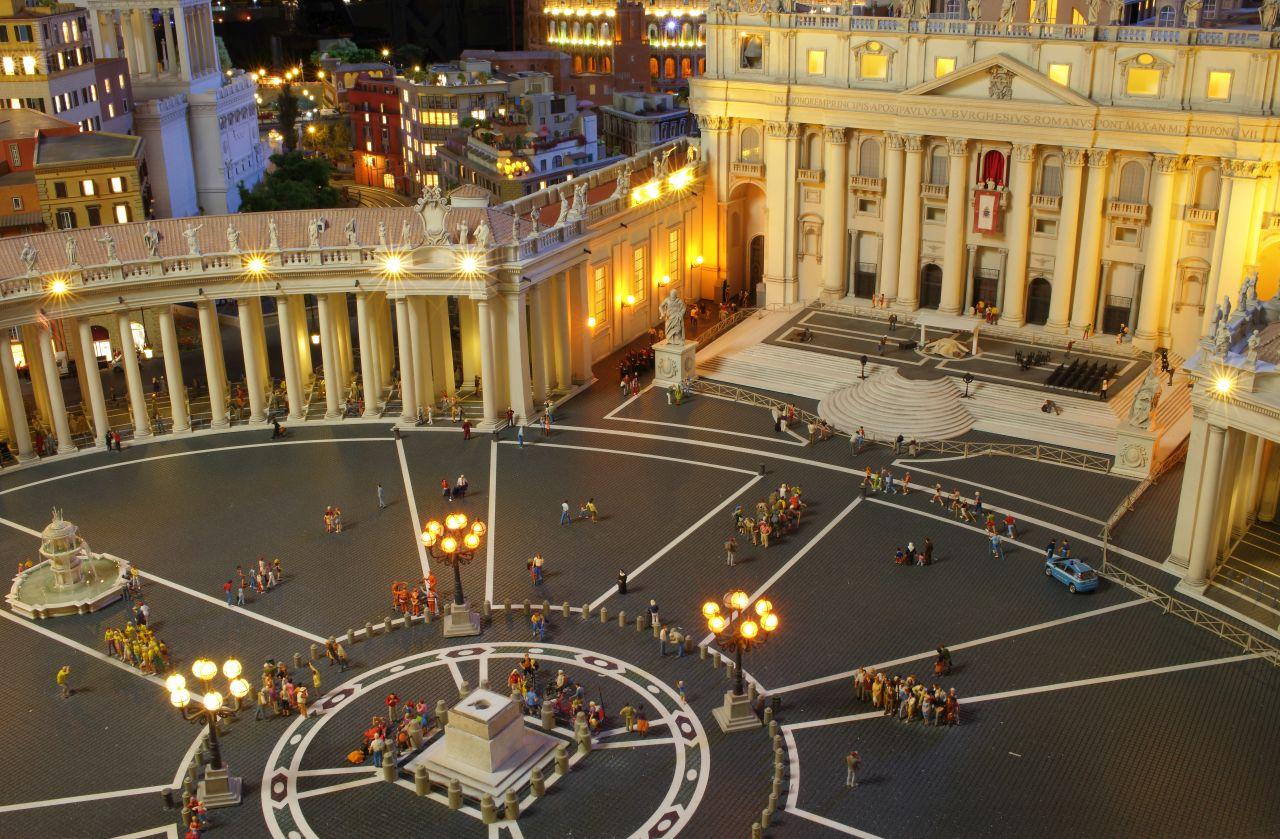 miniatur wunderland hamburg, olaszország, Szent Péter tér