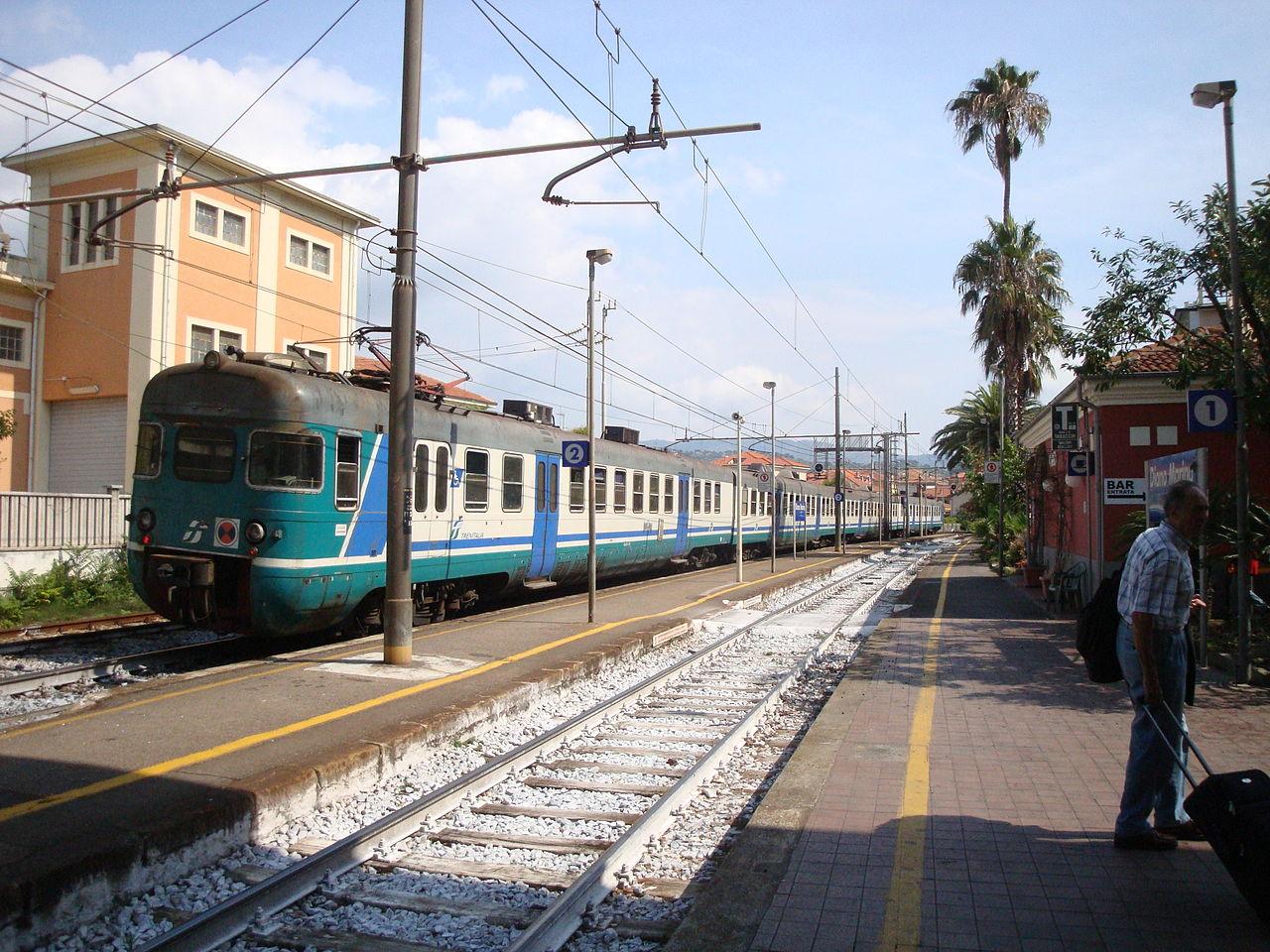 Genova-ventimiglia-vasútvonal, cervo állomás