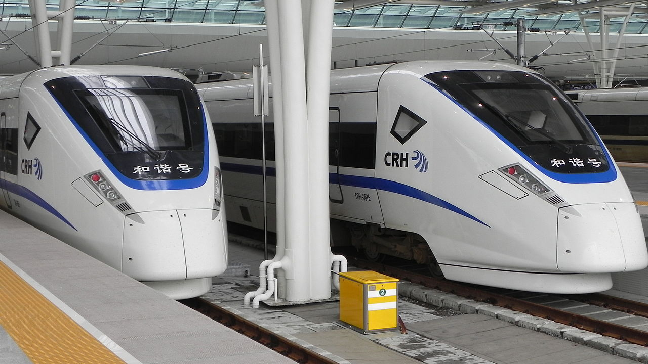 shanghai hongqiao station, Sanghaj Hungcsiao pályaudvar, CRH1, Kína, nagysebességű vonat, éjszakai vonat, hálóvonat