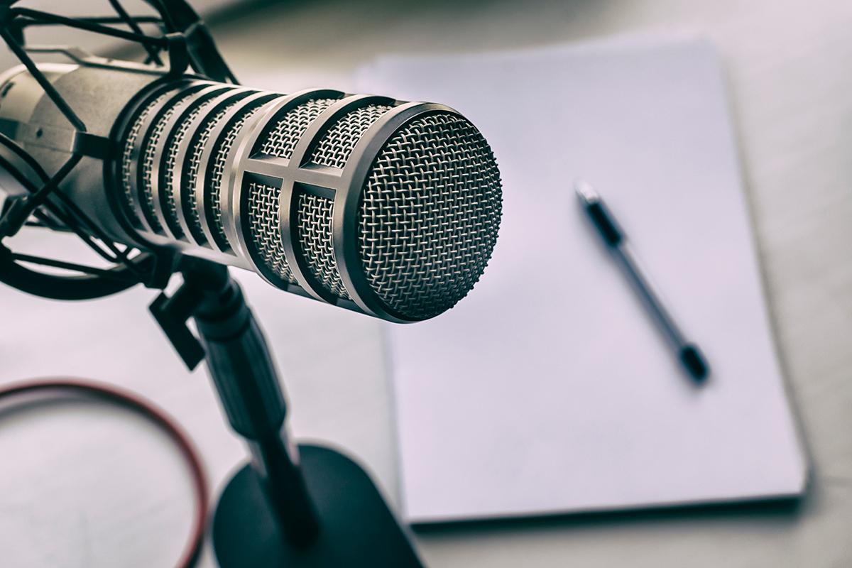 podcast-min.jpg