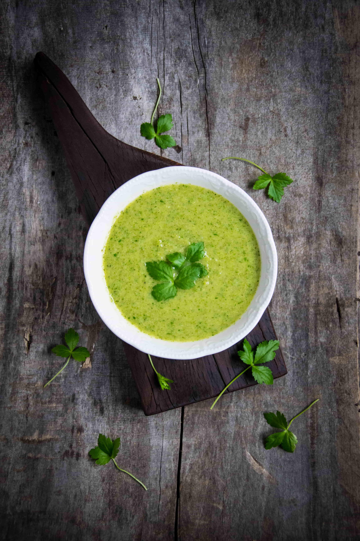 Fokhagymás brokkoli krémleves tej-és lisztmentesen (vegán)