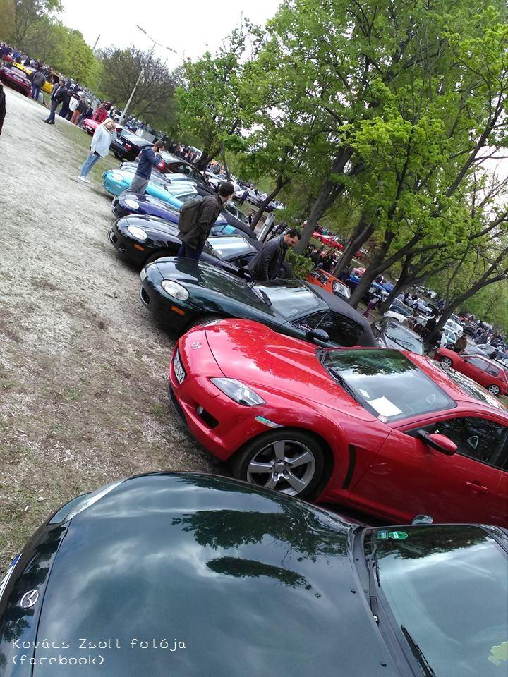 Egyetlen érdemi kép a PP-s galériákból, ami befogta az autómat, pedig direkt a DS-szel szembe parkoltam.
