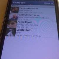 Villantott a Facebook Places, itt a fotós-kommentes Foursquare app