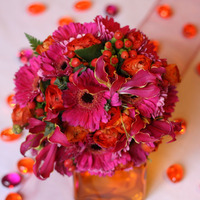 Pink-narancs menyasszonyi csokor