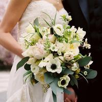 Fehér-zöld menyasszonyi csokor