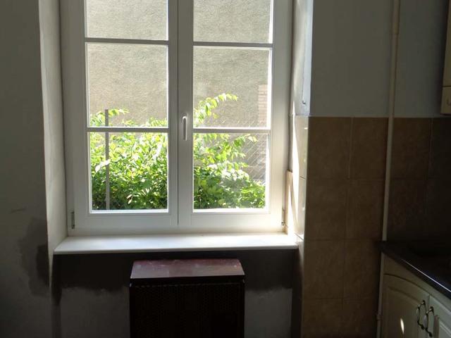 Wekerlei ablak belülről