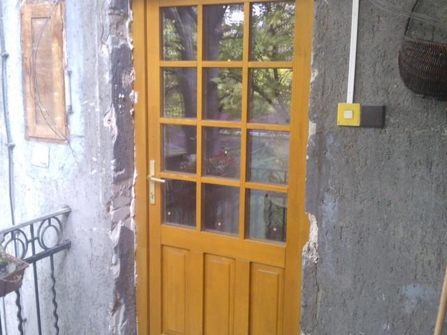 Wekerlei bejárati ajtó