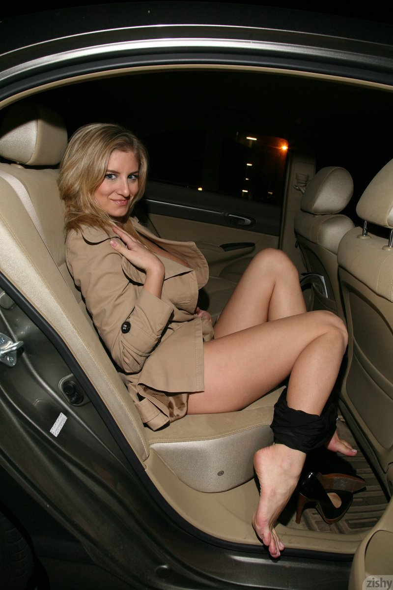 jenny_mcclain_what_a_chest_08.jpg