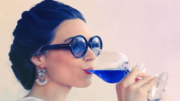 blue_wine.jpg