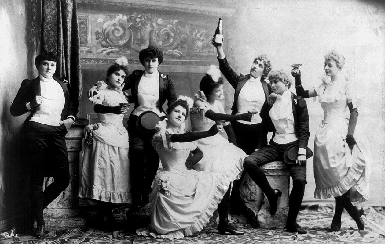 drinking_women.jpg
