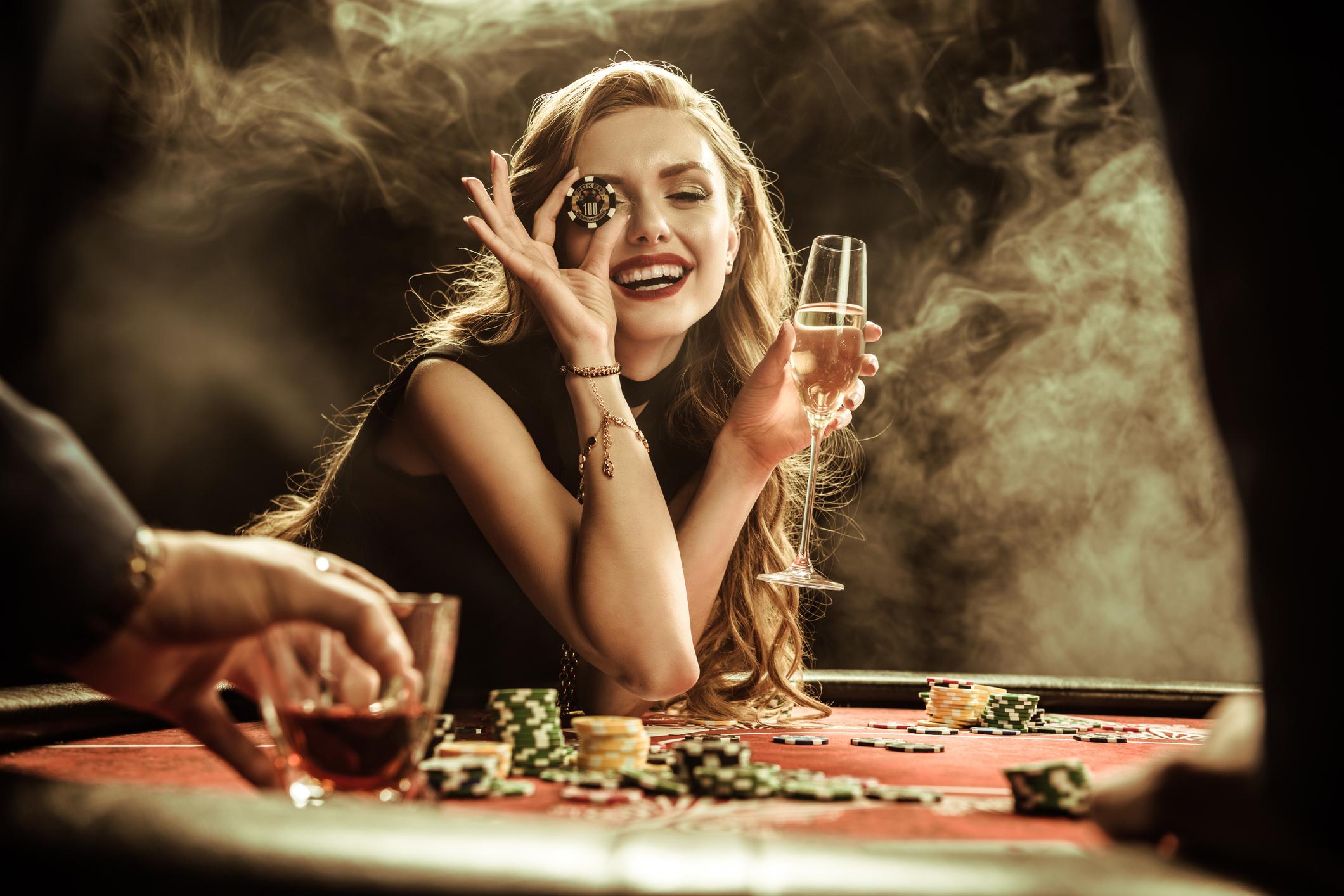 pezsgo_casino_szoke_no_istock.jpg
