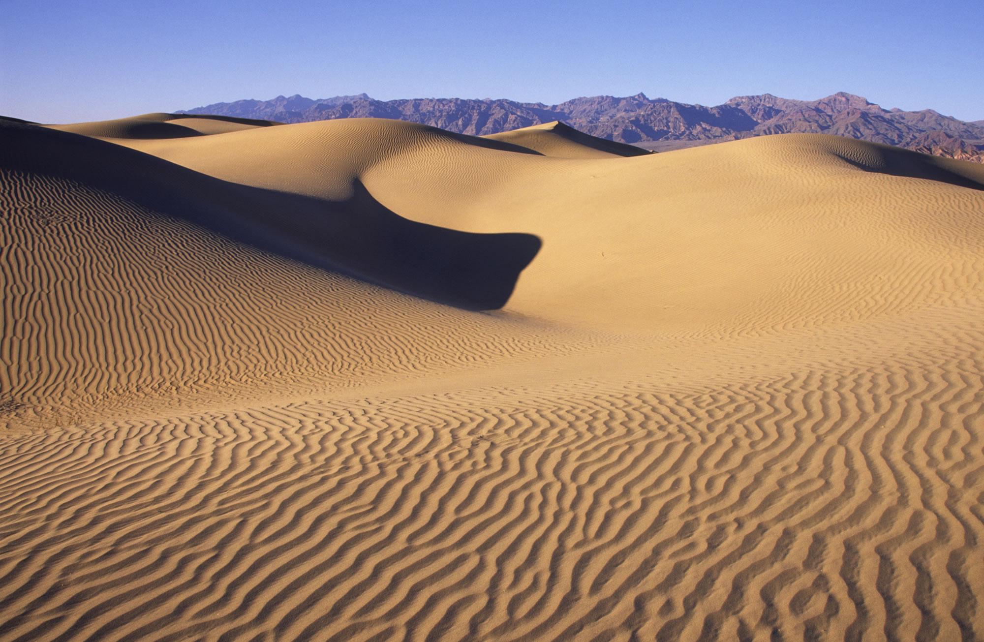 death-valley-sand-dunes.jpg