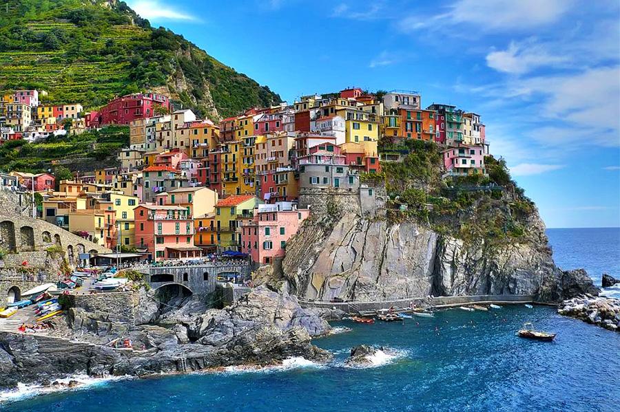 Az elk peszt cinque terre y2y for Hotels 5 terres italie