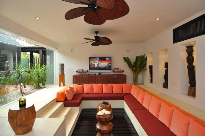 11-orange-living-room-conversation-pit-665x441.jpg