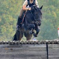 A Kajászó-Szentpéterpuszta Lovarda military lovasai