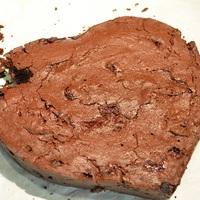Sült-meggyes brownie