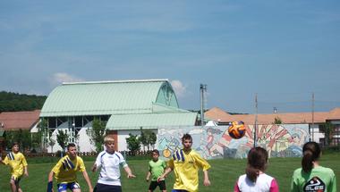 Hittanos gyerekek focikupája
