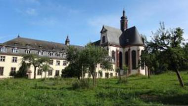 Elfogytak a szerzetesek, 883 év után zár be egy ciszterci kolostor