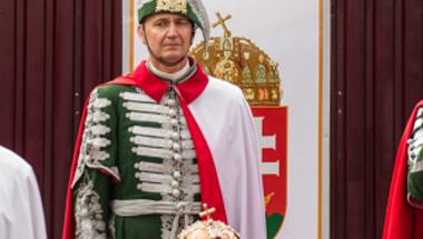 """""""A magyar állam drága, politikailag elfogult és vakon repül"""""""