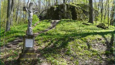 Régészeti ásatás kezdődik a Borostyán-sziklán