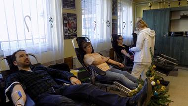 Vért adtak, disznótort kaptak