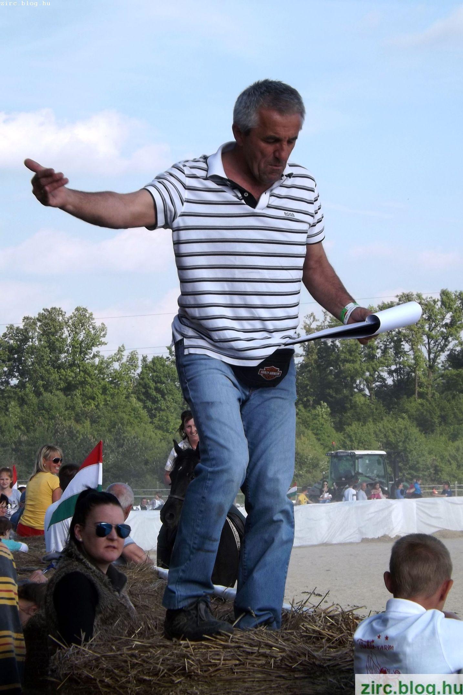 Varga Antal, az ügyességi versenyek házigazdája