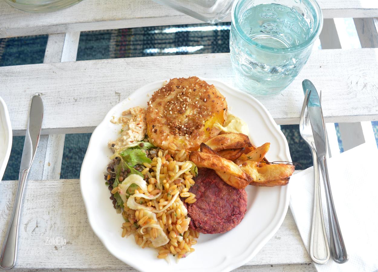 Rántott tök, lencse saláta, cékla pogácsa, sült krumpli és beazonosítatlan gabona