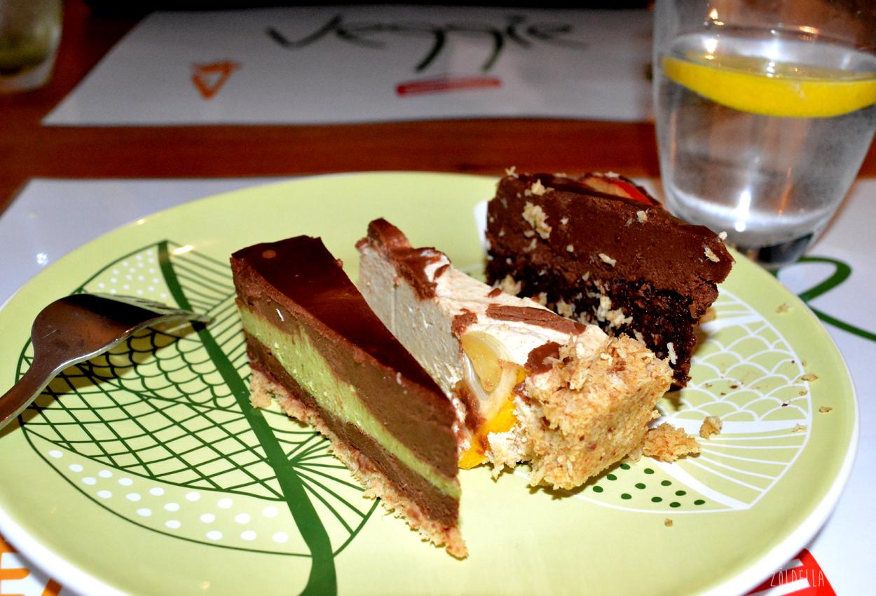 Csokis mentás, citromos kesu krémes és csoki torta.<br />Az én abszolút kedvencem a csokis mentás torta volt, csak ajánlani tudom.