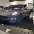 Pénteken kész az első Model 3