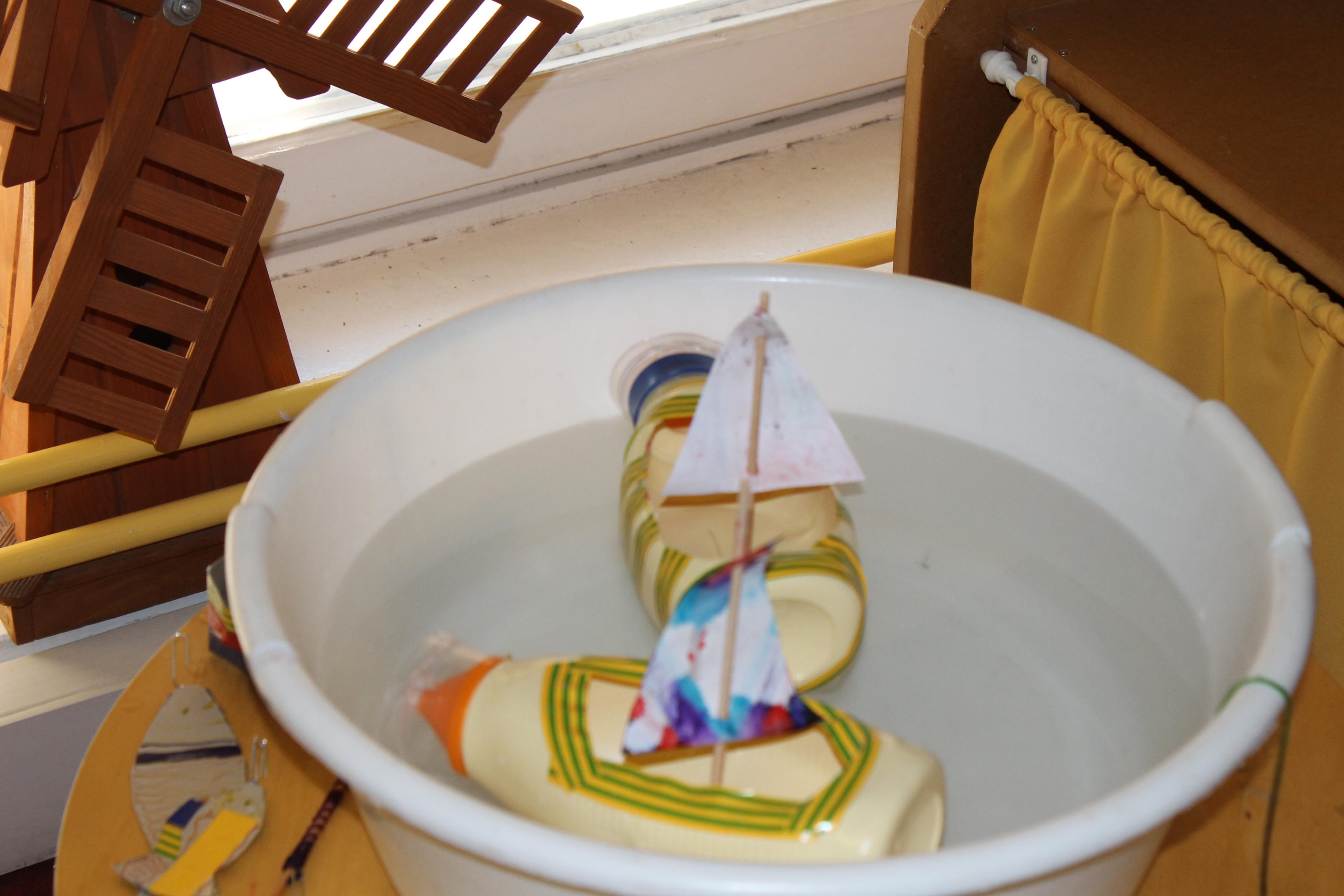 Hajó, csónak hulladékból (majonézes flakonból) 1. Kép forrása: Zöld-Híd Alapítvány