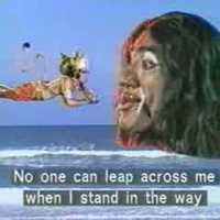 Éneklő majomember, arannyal teli rakott transzvesztita: IGEN ez India