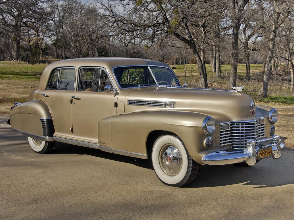 cadillac_6019s_sixty_special_sedan_1941_gold.jpeg