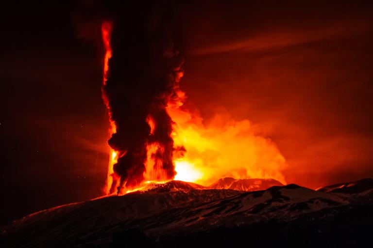 mount-etna-eruption-december-3-2015-4_1.jpg