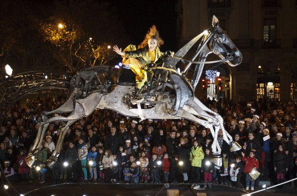 Espectacular-carroza-en-la-cab_54358640678_53389389549_600_396.jpg