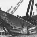 1939. szeptember 13. szerda - A USS Squalust kiemelik a hullámsírból