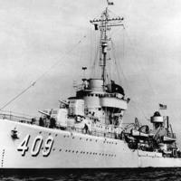 1939. augusztus 1. kedd - A USS Sims hadrendbe áll