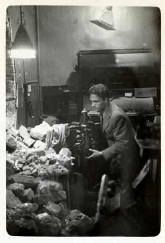 Találatot kapott a Kodak labor is, ahol Bryan a filmjeit hívta elő