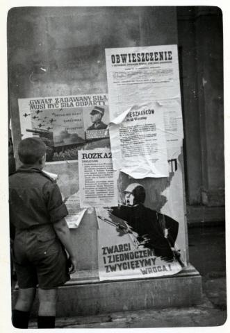 Hazafias palkátok és újságok