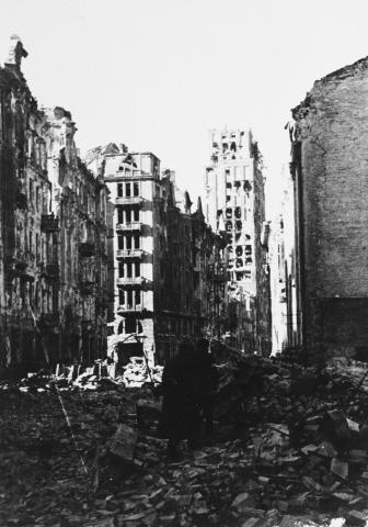 Szétbombázott épületek