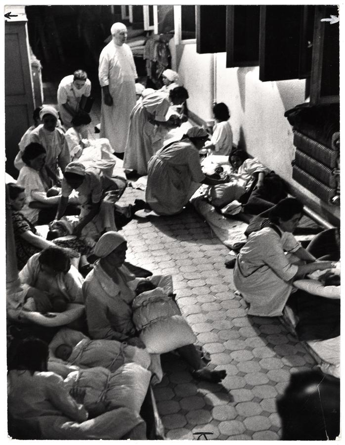 A szülészeti osztály is a kórház alagsorában talál menedéket