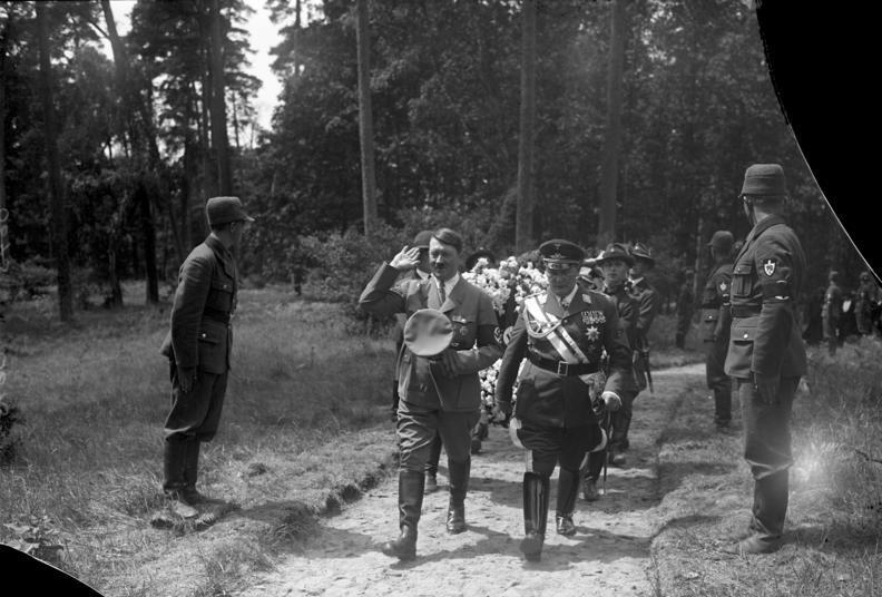 Adolf Hitler is részt vett Carin 1934-es újratemetésén