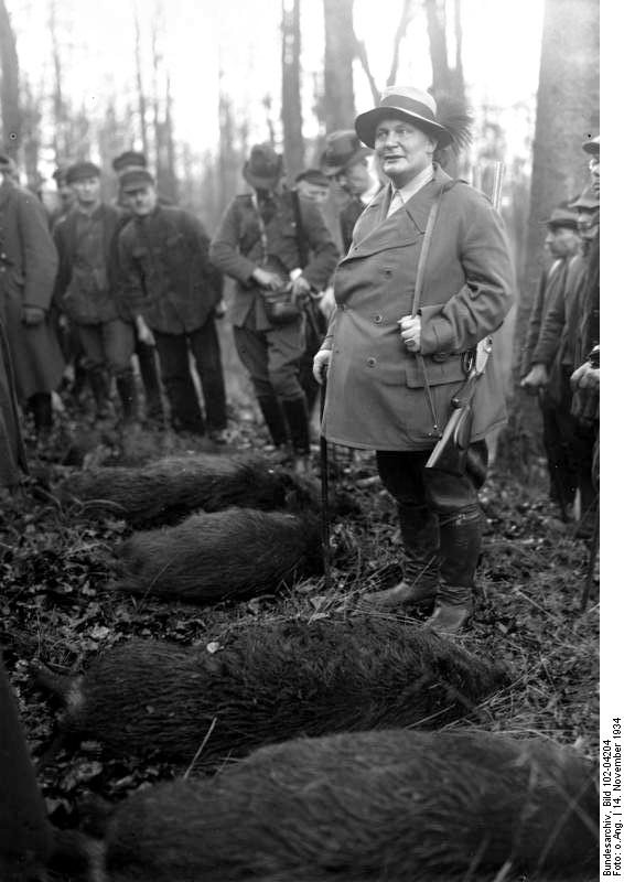 Hermann Göring 1934-ben a leterített vaddisznókkal