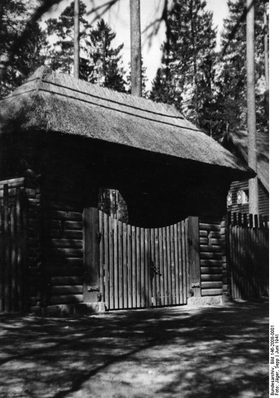 A birtok bejárata